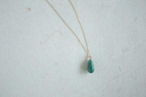 緑のしずく型のネックレス(オーダー事例001:田宮さま)